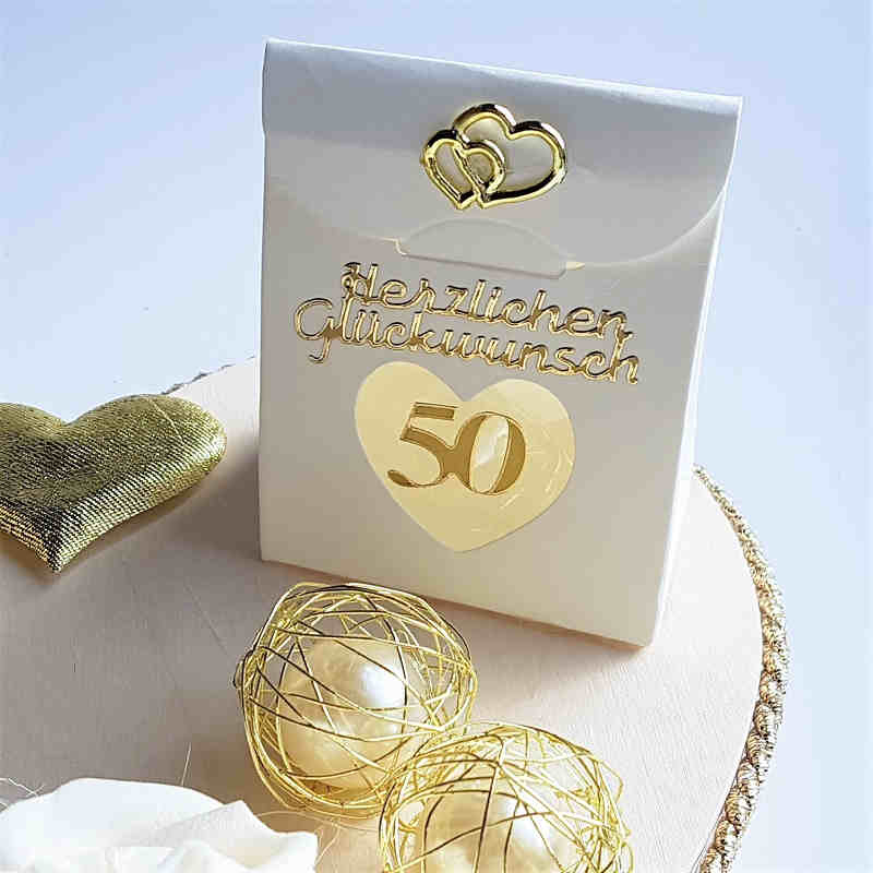Geldgeschenk Zur Goldenen Hochzeit Paar Auf Bank